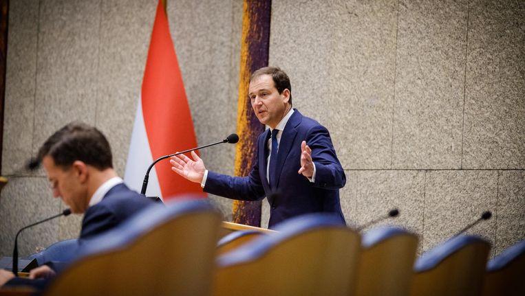 Premier Mark Rutte en Lodewijk Asscher (PvdA) tijdens het Tweede Kamerdebat over het aftreden van Halbe Zijlstra. Beeld anp
