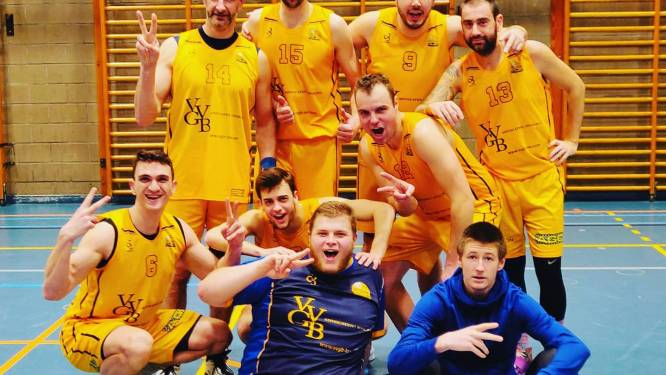 """Peter Van Driquelle (BC Grimbergen) is oudste basketspeler in provinciale: """"Mijn zonen sporen me aan om te trainen"""""""