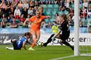 Jill Roord scoort tegen Estland.