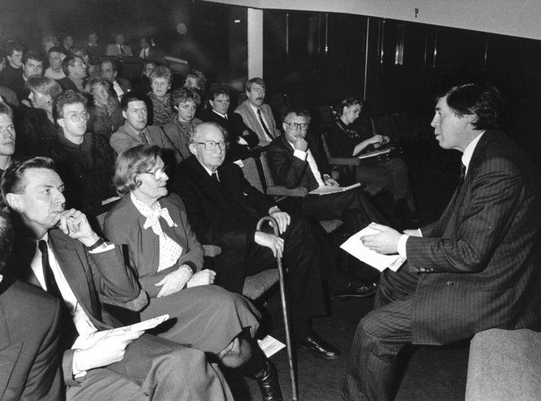 De grondlegger van Sporthuis Centrum en Center Parcs, de heer Derksen in 1989. Beeld null