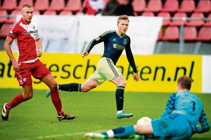 Mike van der Hoorn, Viktor Fischer en Robbin Ruiter.