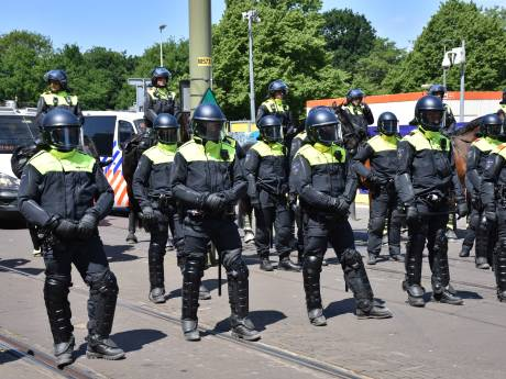 ME grijpt in bij lockdownprotest Den Haag: 37 arrestaties