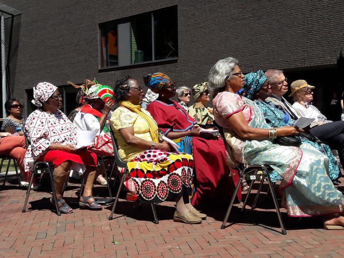 In het Vrijheidspark in Tilburg vond zondag voor het eerst in Brabant de herdenking van het slavernijverleden plaats.