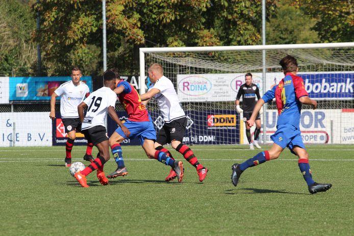 Terneuzen kwam op eigen veld niet tot scoren tegen Victoria'03, het werd 0-0.