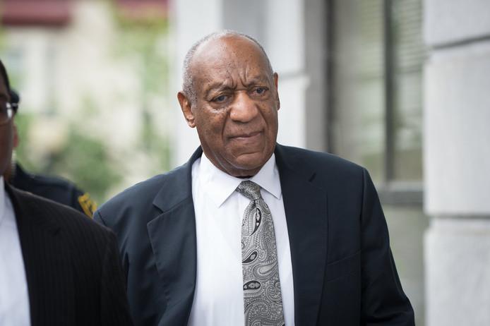 Bill Cosby arriveert bij de rechtbank.