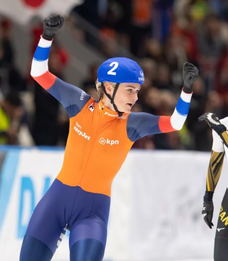 Schouten schaatst naar zege op massastart, succes mannen op ploegenachtervolging