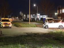 Veel schade na botsing op kruising in Nijverdal
