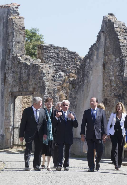 In september vorig jaar bezocht de Duitse president Gauck samen met enkele overlevers en Frans president Hollande het spookdorp Oradour-sur-Glane.
