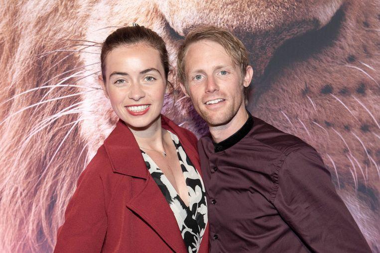 """'De Buurtpolitie'-actrice Dorien Reynaert nam haar man Robin mee. """"Thuis heb ik een collectie posters en knuffels van 'The Lion King' en in mijn wagen hangt een Simba als geluksbrenger."""""""