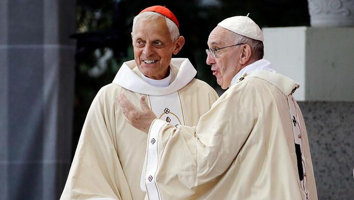 L'archevêque Donald Wuerl et le pape François (2015)