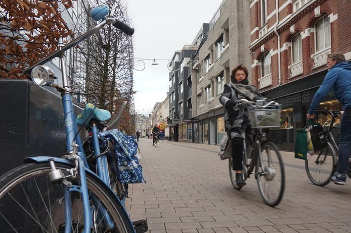 Fietsers Willem II-straat.