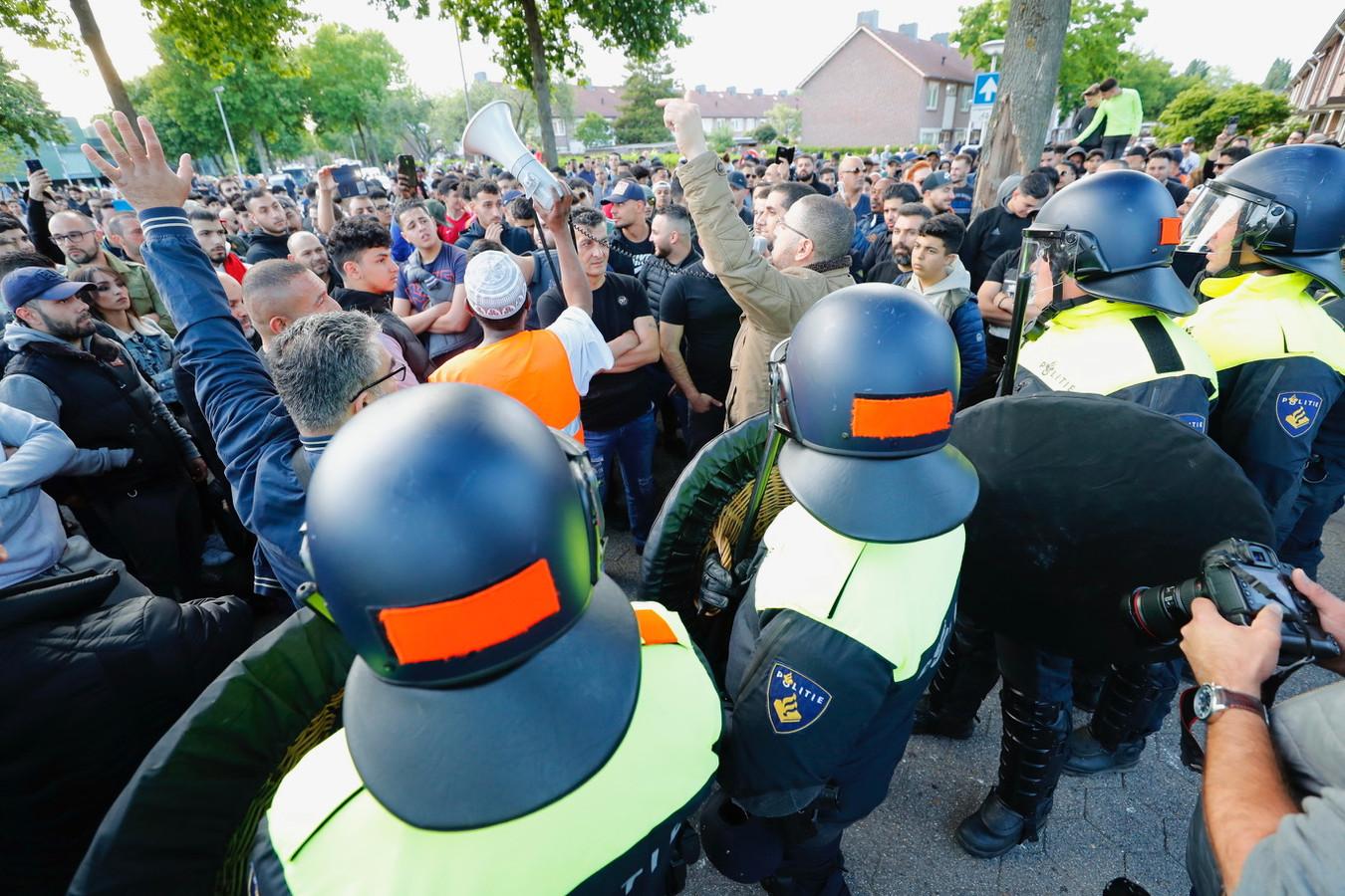 Grimmige sfeer in Eindhoven bij Pegida-demonstratie