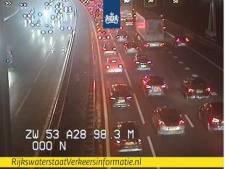 Sinterklaasdrukte op A28 bij Zwolle zorgde voor vertraging na ongeluk