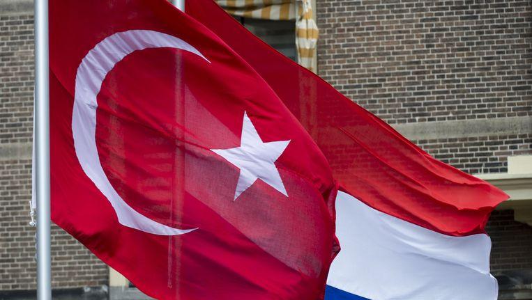 'Als Turkse jongen ga ik zelf veel om met Nederlanders en ze zien me ook als een van hen. Ze zeggen dat ik niet zo'n 'Turk'-Turk ben.' Beeld anp