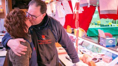 """Zo beleven onze streekgenoten Valentijn - Annemie (58) en Chris (58): """"Rustige Valentijn, want als marktkramers moeten we opstaan om 3.30 uur"""""""