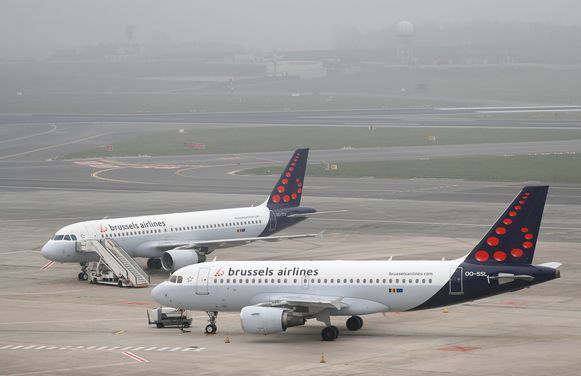 Brussels Airlines-vliegtuigen geparkeerd op het tarmac van de luchthaven in Zaventem.