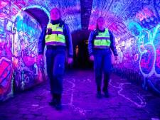 In donker Utrecht laten boa's Marilène (21) en Chelsey (20) niet over zich heen lopen. 'Maar de lontjes zijn korter'