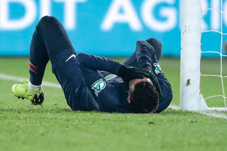 Neymar weet hoe laat het is: de Braziliaanse superster viel vorige week uit in de bekerpartij tegen Straatsburg.