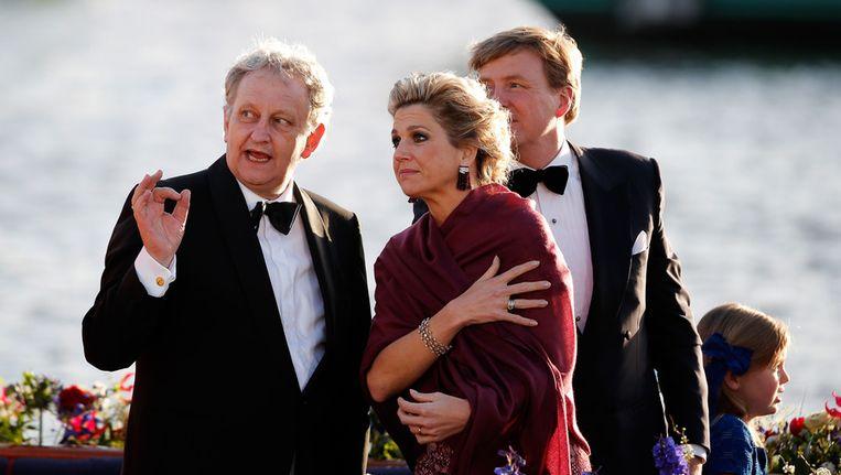 Burgemeester Van der Laan met het koninklijk paar. Beeld getty