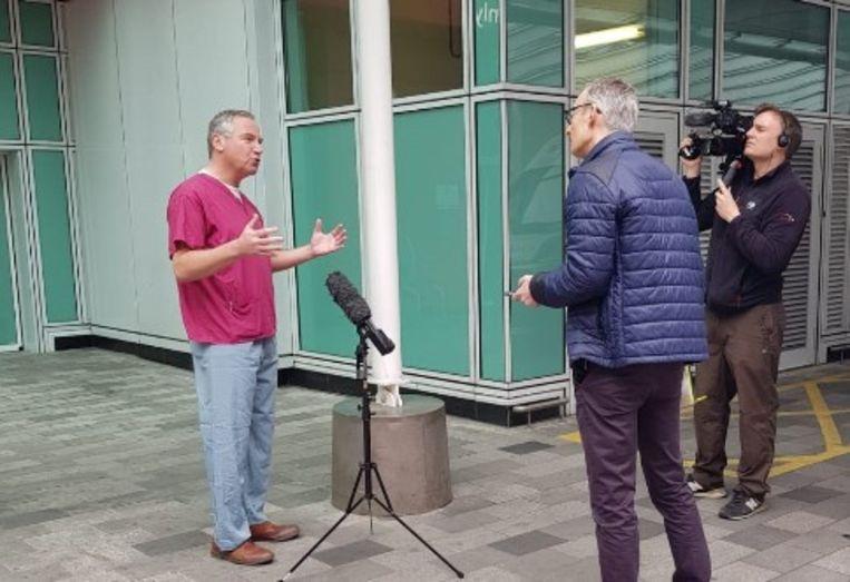 Marcel Levi staat de BBC te woord. Beeld UCLH