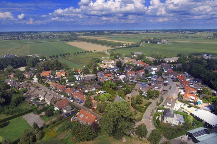 Een luchtfoto van Drongelen in de gemeente Altena.