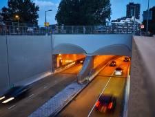 Raad wil geen auto's op e-lane, maar kan het niet tegenhouden