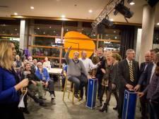 Wie volgt sporters op als winnaars Eindejaarsnieuwsquiz in Almelo?