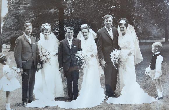 Willy en Greta, André en Frida en Herman en Maria hielden één groot trouwfeest op 12 juli 1966.