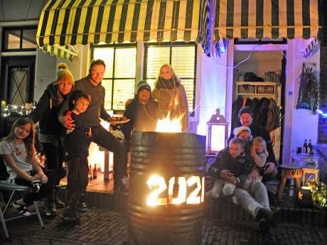 Oud en Nieuw in Zierikzee is heel de avond rustig, maar na twaalven wordt het onstuimig in het centrum