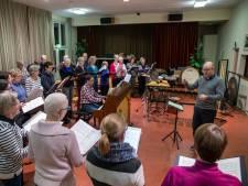 Dirigent beleeft zijn 'zwanenzang' bij Edes koor Vocalise