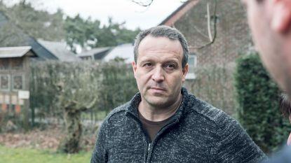 """""""Dit is een brug te ver"""": jagerij woedend op Jan Loos van 'Welkom Wolf' nadat hij jager aan schandpaal nagelt"""