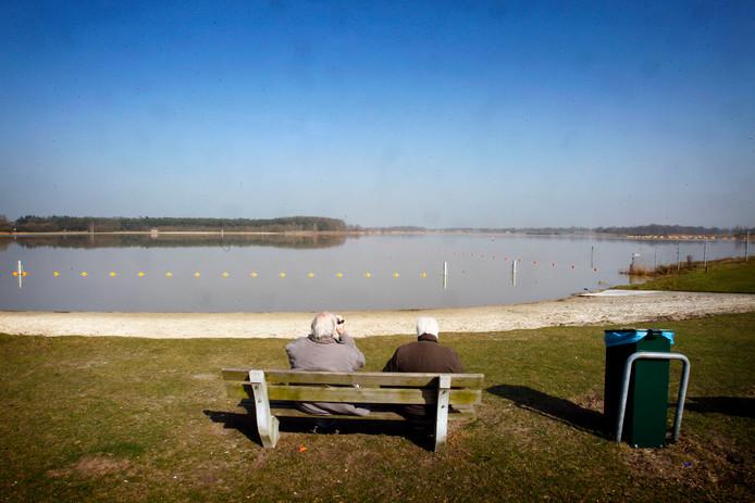 Archieffoto Berkendonk. In recreatieplas Berkendonk in Helmond is tijdens metingen door het waterschap de giftige en mogelijk kankerverwekkende stof PFOA aangetroffen.