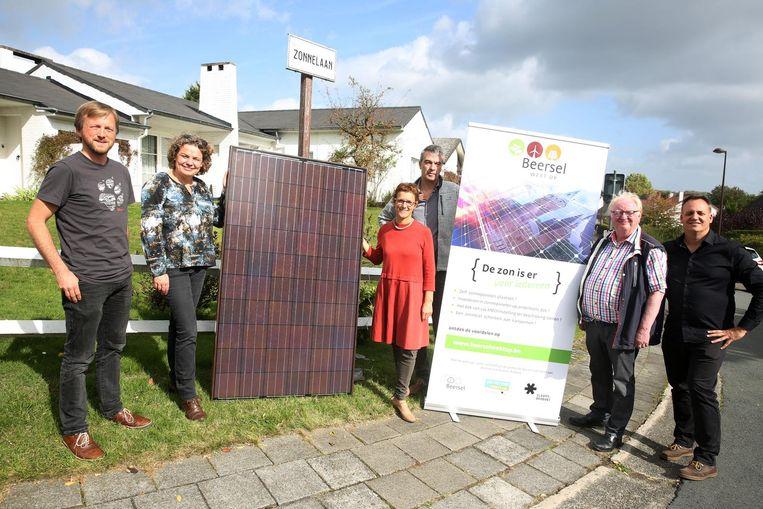 Het gemeentebestuur lanceert samen met de mensen van Pajopower, studiebureau Zero Emission Solution en de provincie Vlaams-Brabant de campagne 'Beersel Wekt Op' die niet toevallig in de Zonnelaan in Alsemberg werd voorgesteld.