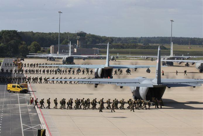De toestellen op Vliegbasis Eindhoven.