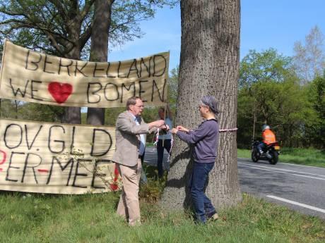Actie voor burgerinitiatief voor behoud bomen N319