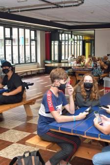 Zeeuws-Vlaamse examenleerlingen gaan om beurten naar school, in kleine groepjes