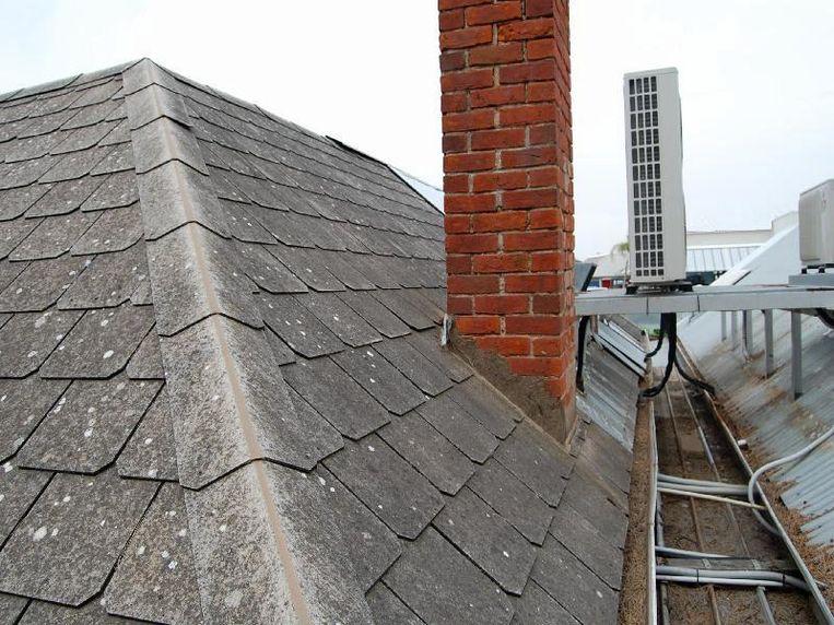 zit er asbest in jouw dak zes tekenen waaraan je asbestleien herkent wonen hln. Black Bedroom Furniture Sets. Home Design Ideas