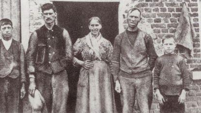 Herdenkingsbord voor vermoorde familie Valckenaers