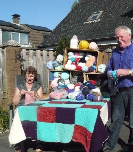 Jannie en Bart verzamelen wol voor armen in Roemenië: 'Al negen zakken vol'