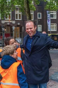 Frans Bauer verovert Utrecht vanaf Domtoren en het water