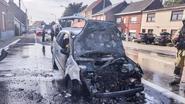 Ford brandt volledig uit op steenweg