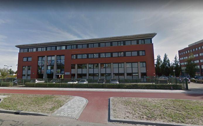 Een aantal van 10 tot 15 jongeren tussen de 12 en 18 jaar wordt sinds vorige week opgevangen op de Bossche Vakschool.