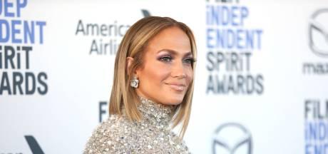 J.Lo lance sa gamme de cosmétiques