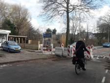 Ambachtsweg in Wateringen jaar lang dicht om sluipverkeer tegen te gaan