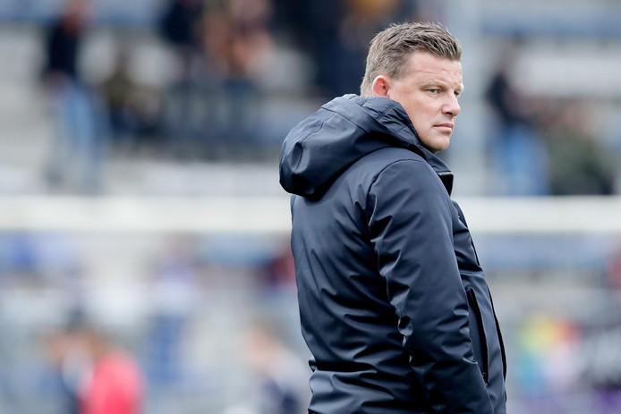 """Na het afhaken van Maurice Steijn heeft PEC Zwolle trainer John Stegeman overgenomen van rivaal Go Ahead Eagles. ,,We besloten hem alsnog te polsen. Toen bleek dat hij ervoor openstond, hebben we doorgepakt"""", aldus voorzitter Adriaan Visser."""