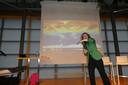 Helga van Leur legt uit hoe CO2-uitstoot het noordelijk halfrond belaagt.