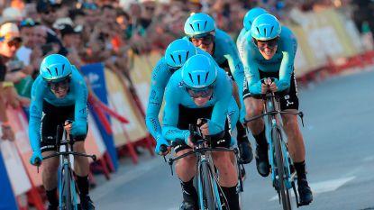Astana klopt Deceuninck in ploegentijdrit Vuelta: Miguel Angel Lopez eerste leider, Roglic verliest tijd na collectieve val