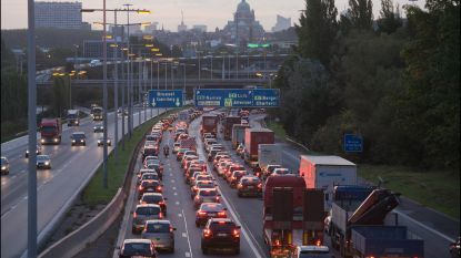 Studie verwacht na coronatijdperk minder verkeersdrukte rond Brussel