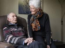 Henk en Rie uit Rijssen vieren na 65 jaar huwelijk nog elke dag de liefde