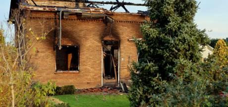 Broers zijn alles kwijt na brandstichting in Hedel, vrienden starten crowdfunding